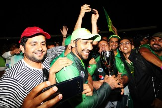 Waqar Younis Pakistan top ranked T20 International team since players don't play Indian Premier League IPL cricket