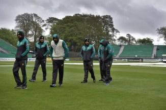 Abdul Razzaq Pakistan cannot be overconfident Test series England cricket