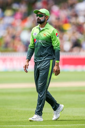 Mohammad Hafeez show cause notice Pakistan Cricket Board PCB comments ICC suspect bowling action Pakistan cricket