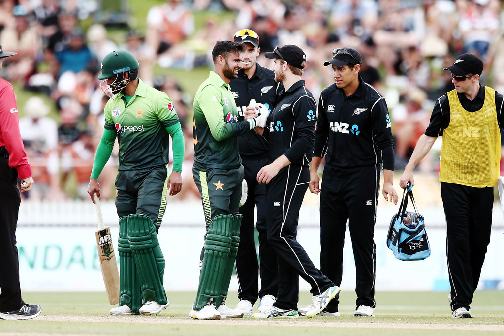 New Zealand considering their first Pakistan tour since 2003