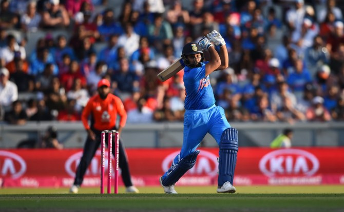 Dinesh Karthik Rohit Sharma nearly missed flight to England after forgetting passport India cricket