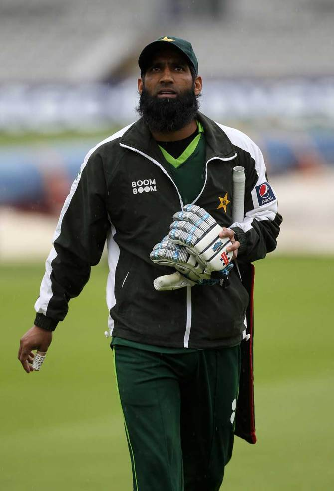Mohammad Yousuf said Azam Khan's desire to hit big sixes can't be a priority