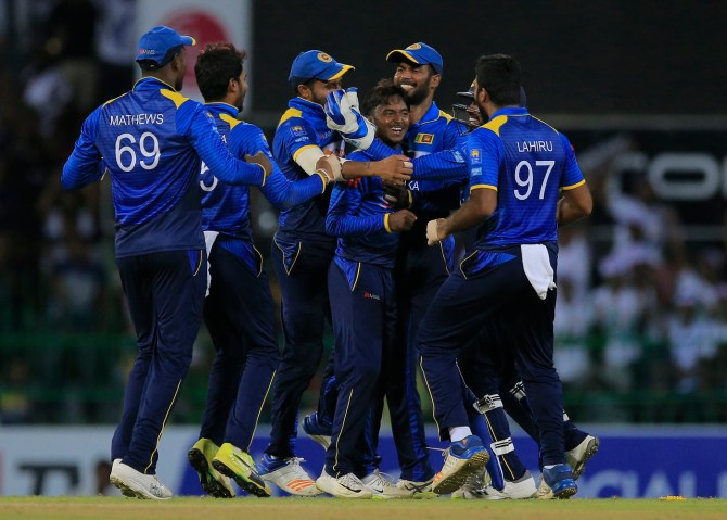 Akila Dananjaya career-best six wickets Sri Lanka South Africa 5th ODI Colombo cricket