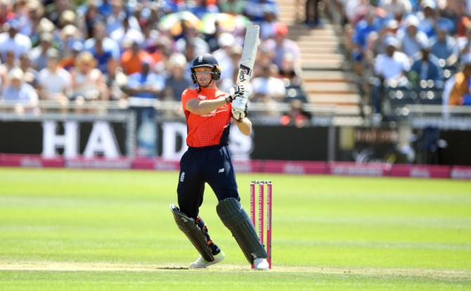 Jos Buttler Joe Root sign Sydney Thunder Big Bash League BBL cricket