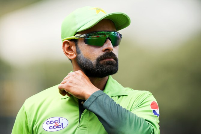 Mohammad Hafeez angry contract demotion supposedly considering retirement Pakistan cricket