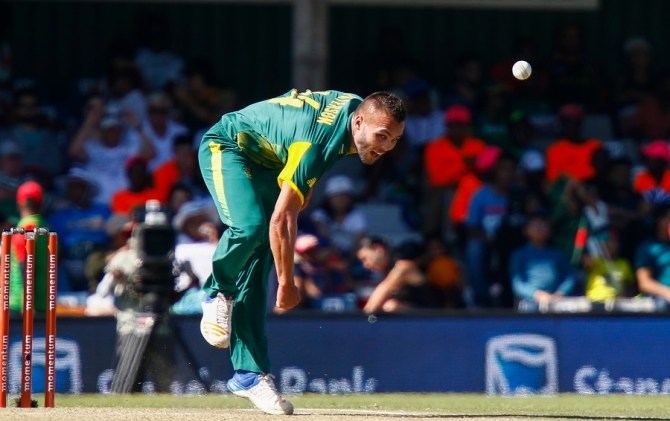 Dane Paterson two wickets South Africa Zimbabwe 2nd T20 Potchefstroom cricket