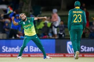 Imran Tahir career-best five wickets South Africa Zimbabwe 1st T20 East London cricket