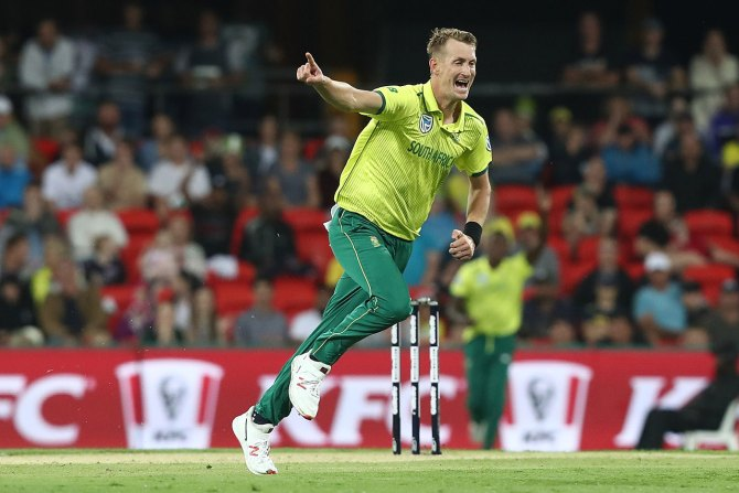 Chris Morris two wickets Australia South Africa Only T20 Carrara cricket