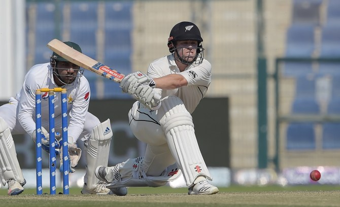 Henry Nicholls 90 not out Pakistan New Zealand 3rd Test Day 4 Abu Dhabi cricket