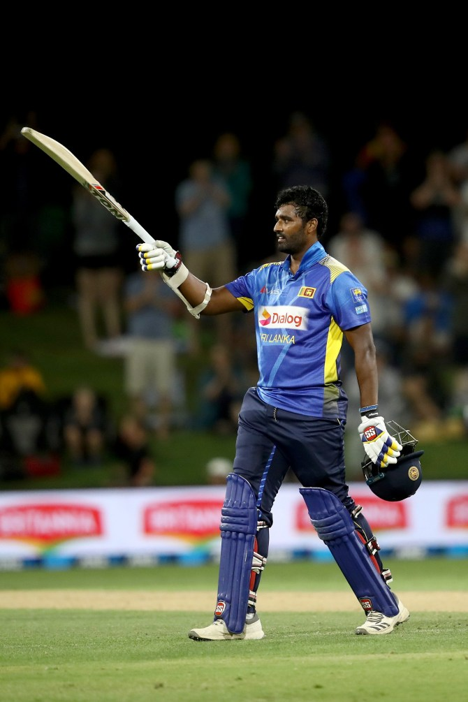 Thisara Perera 140 New Zealand Sri Lanka 2nd ODI Mount Maunganui cricket