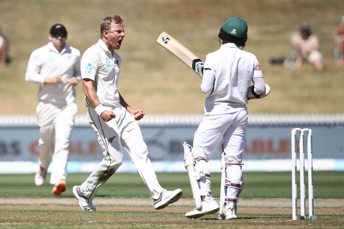 Neil Wagner five wickets New Zealand Bangladesh 1st Test Day 1 Hamilton cricket