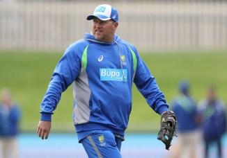 David Saker resigns as Australia's bowling coach