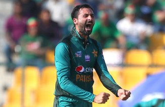 Junaid Khan said Wasim Akram and Younis Khan could dominate on any given day and added that he really admires them