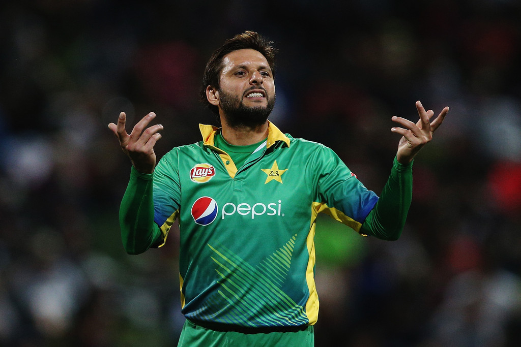 Afridi reveals his real age, makes it more confusing than ever!