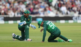 Sarfraz Ahmed is questioning why Pakistan have to play on tough pitches while India get to play on surfaces that favour batsmen and spinners World Cup cricket