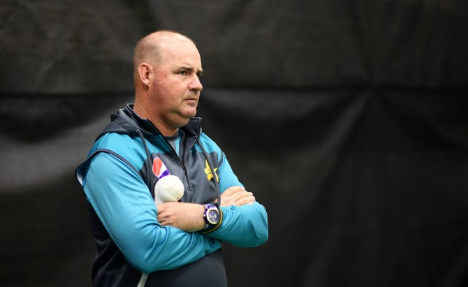 Mickey Arthur believes Tabish Khan, Aizaz Cheema and Sohail Khan shouldn't be picked to play for Pakistan since they are too old cricket