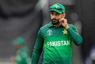 Inzamam-ul-Haq thinks it was a mistake for Pakistan to drop Mohammad Hafeez and Shoaib Malik for the T20 series against Australia Pakistan cricket