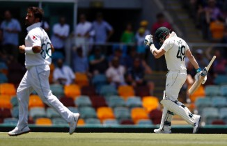 Steve Smith reveals he ran three kilometers back to the team hotel after being dismissed early on by Yasir Shah Australia Pakistan cricket