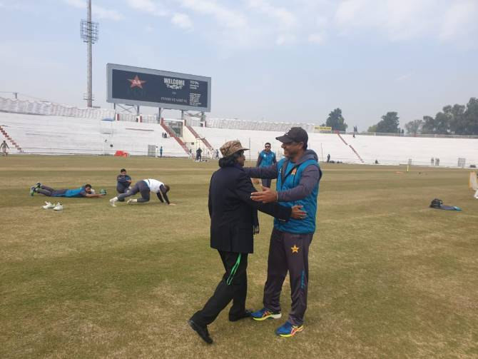Waqar Younis said it was a pleasant surprise to meet Javed Miandad Pakistan cricket