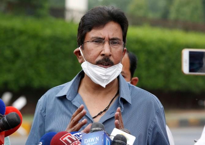Saleem Malik claimed Rashid Latif backstabbed Javed Miandad and corrupted the Pakistan team cricket