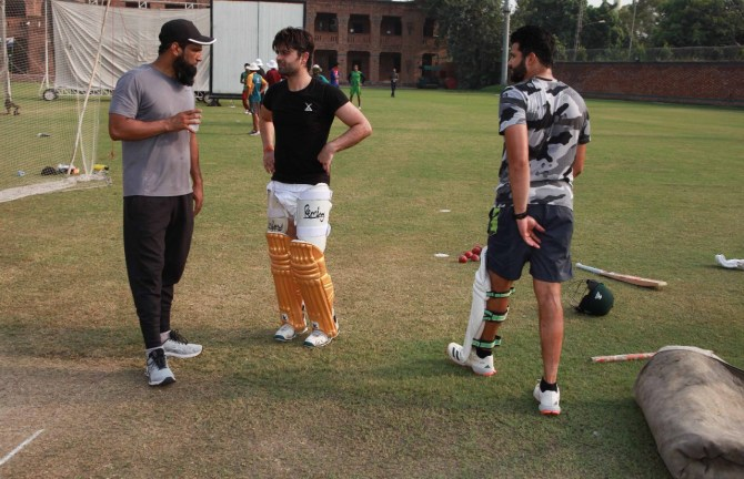 Mohammad Yousuf closely watched Azhar Ali and Ahmed Shehzad bat