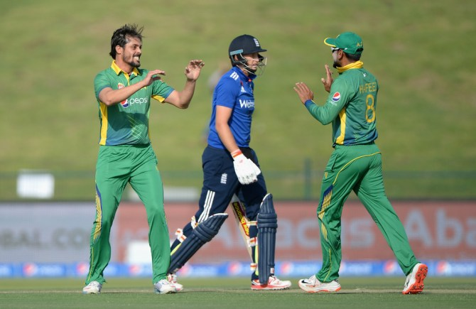 Anwar Ali said Zaheer Abbas is known for his wristy shots