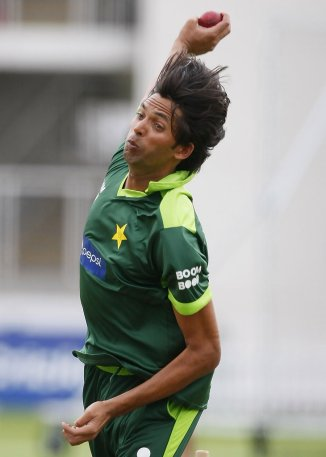 Pakistan fast bowler Mohammad Asif said he felt his back would break in the searing heat