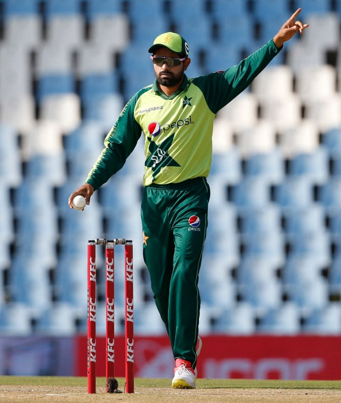 Abdur Rehman said give control of the team selection to Babar Azam