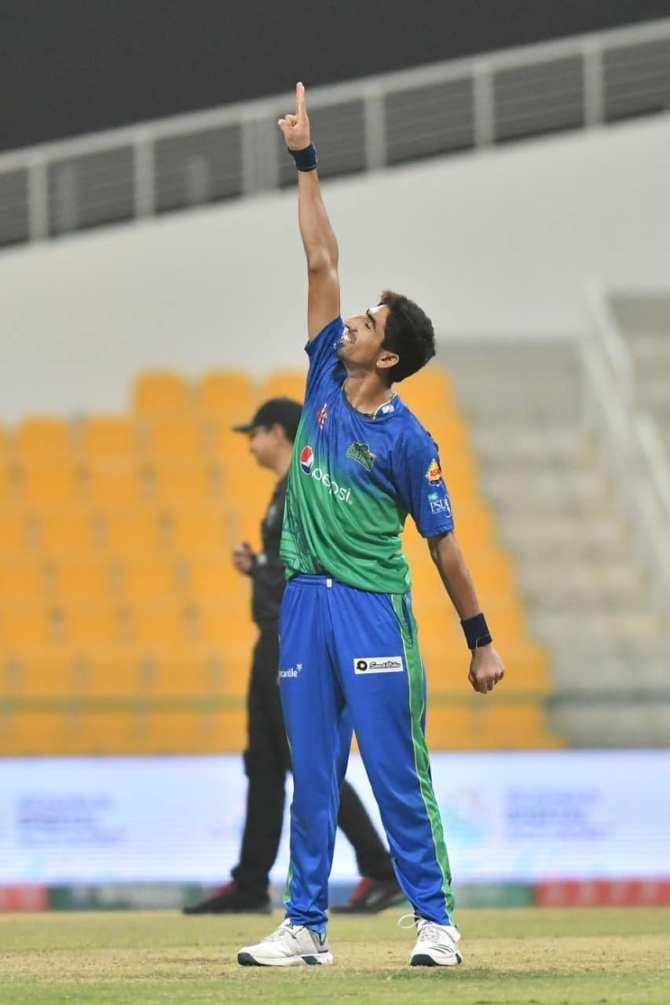 Azhar Mahmood said Shahnawaz Dahani is an entertainer