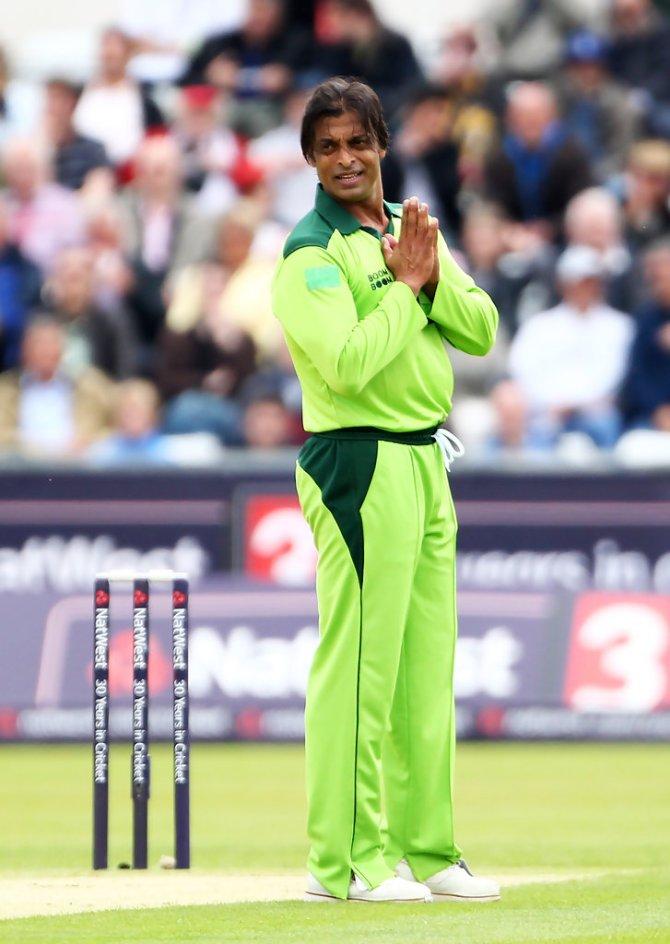 Shoaib Akhtar said Shahnawaz Dahani hits batsmen with his lightning quick bouncers and apologises