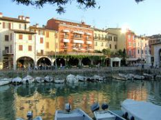 Hotel Piroscafo & old harbour
