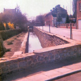 The Ligny stream flowing through the village