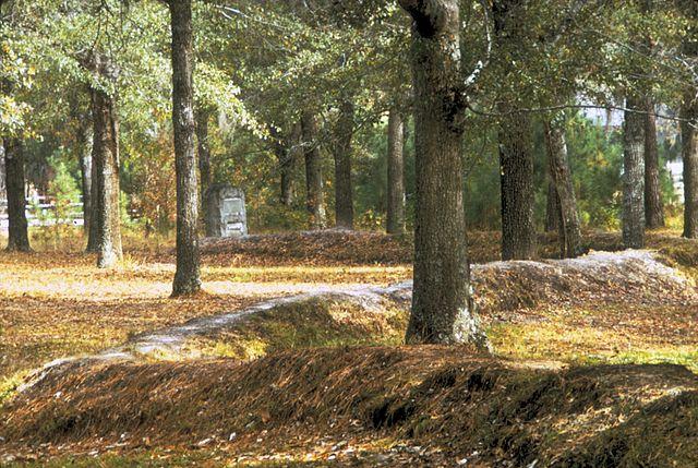 Moores Creek National Battlefield - Patriot earthworks