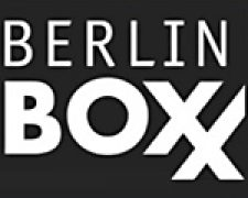 Panterdesign interpretiert das Berliner Stadtleben Street-Art am Bau. Urban und typisch Berlin. 04. Oktober 2018