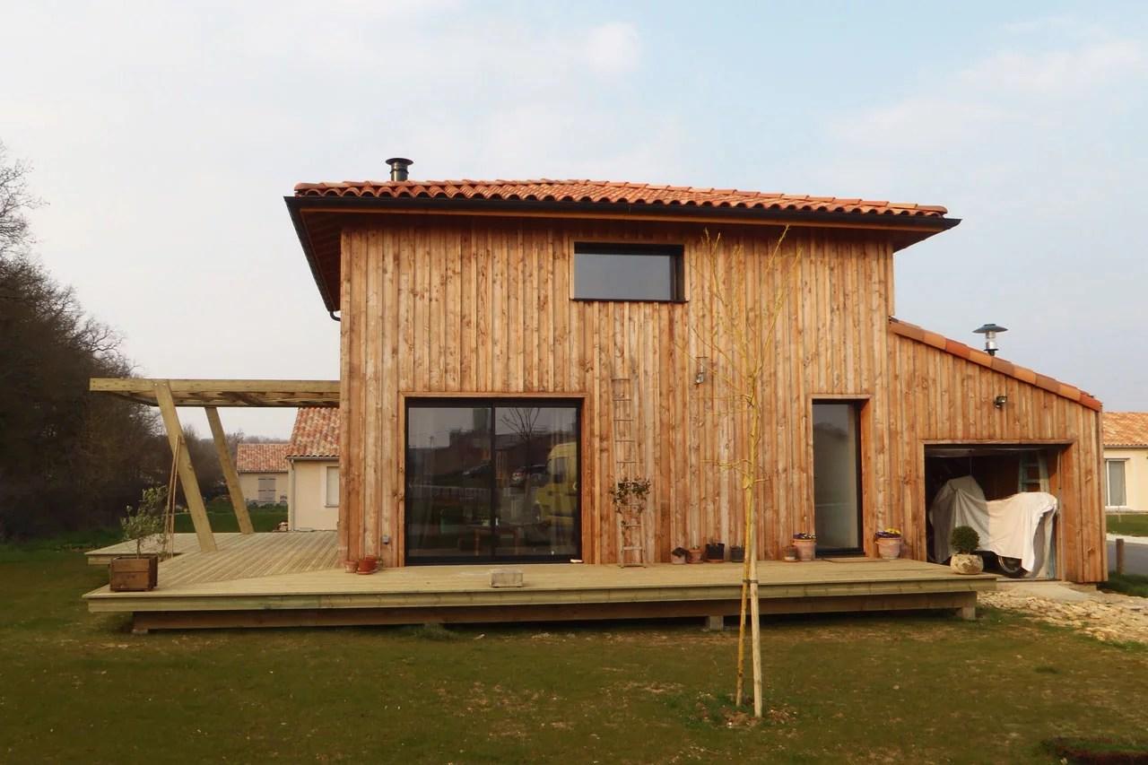 Bardage maison ossature bois fabulous bois with bardage for Entreprise de construction maison en bois
