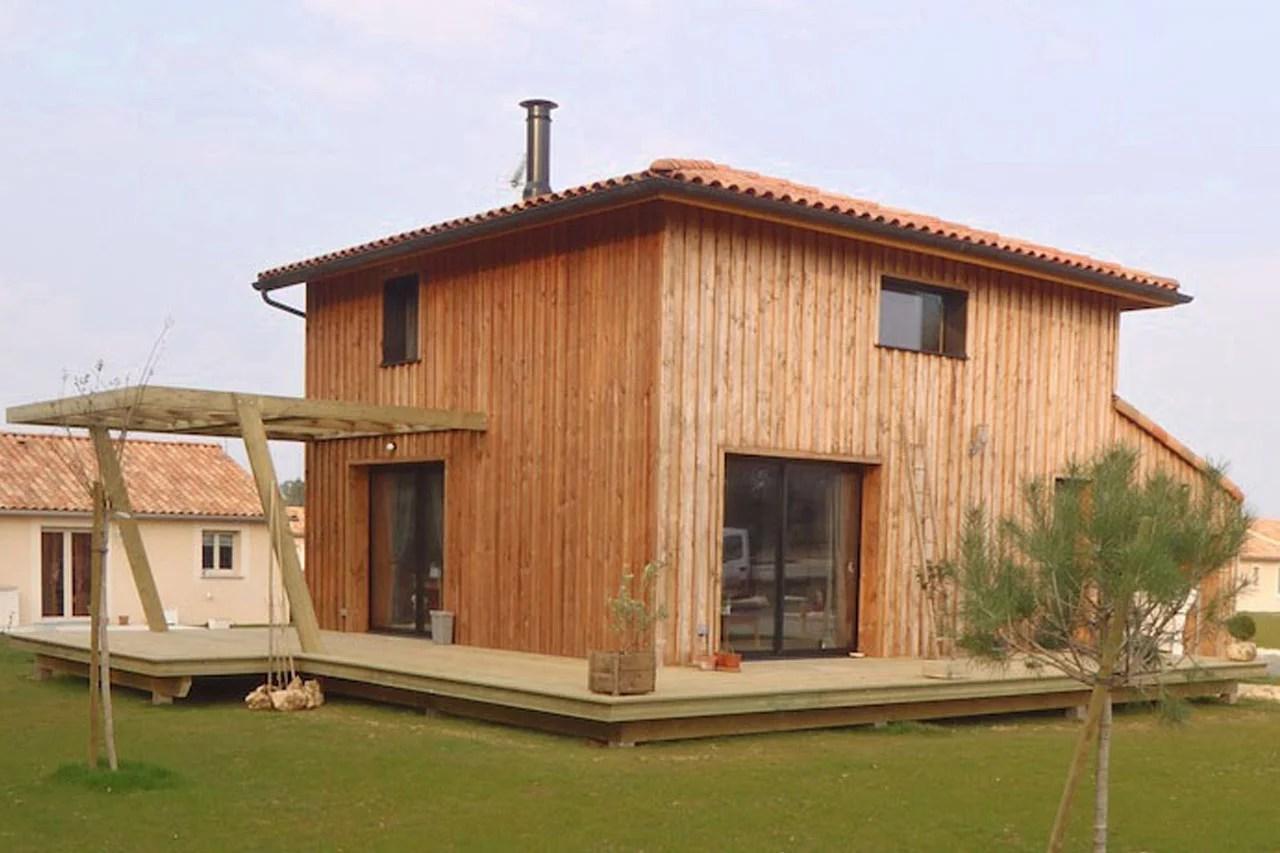 bardage maison ossature bois le bardage bois maisons maison ossature bois auvent en charpente. Black Bedroom Furniture Sets. Home Design Ideas