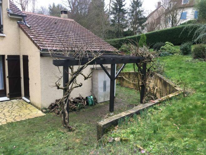 Pergola-sur-mesure-jardin-artisan-essonne91