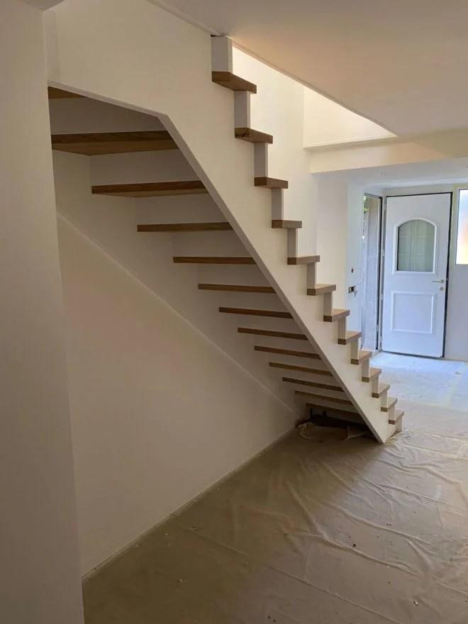 Escalier sans rampe sans rambarde