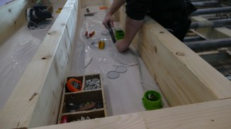 Fertigung - Bestückung der Installationsebenen
