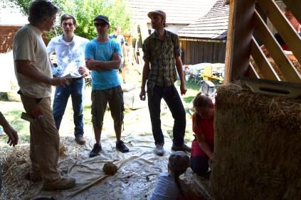 Workshop-2017-08-strawbale-clay-tadelakt49