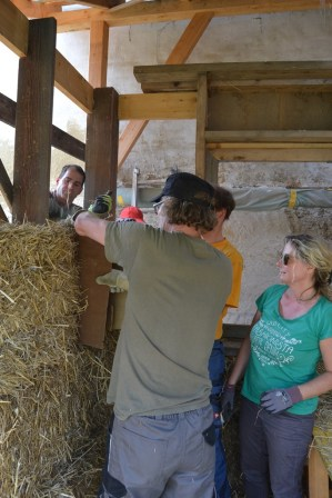 strawbale-workshop-4-2018-17