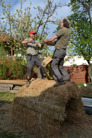 strawbale-workshop-4-2018-77