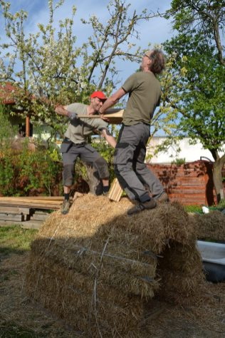 strawbale-workshop-4-2018-78