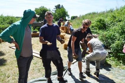 ecotopia-2018-strawbale-workshop-245