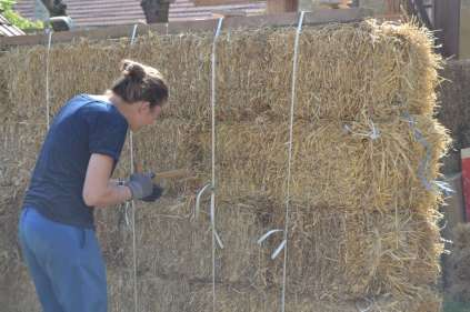 STEP-U3-load-bearing-straw-bale-training-40