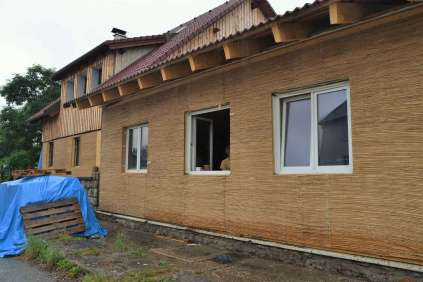 step-4-2020-wrapping-strawbale-2