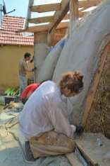 step-5-2020-lime-plaster-on-straw-bale-154
