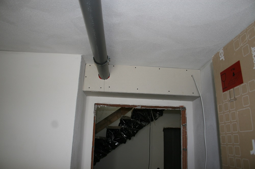 Die Rohre im Gang und Gstezimmer sind hinter Verkofferungen verschwunden  Bautagebuch Nandlstadt