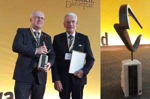 Prof. Manfred Curbach (links im Bild) und Prof. Jürgen Stritzke erhalten den Dresden Congress Award für das 28. Dresdner Brückenbausymposium 2018.