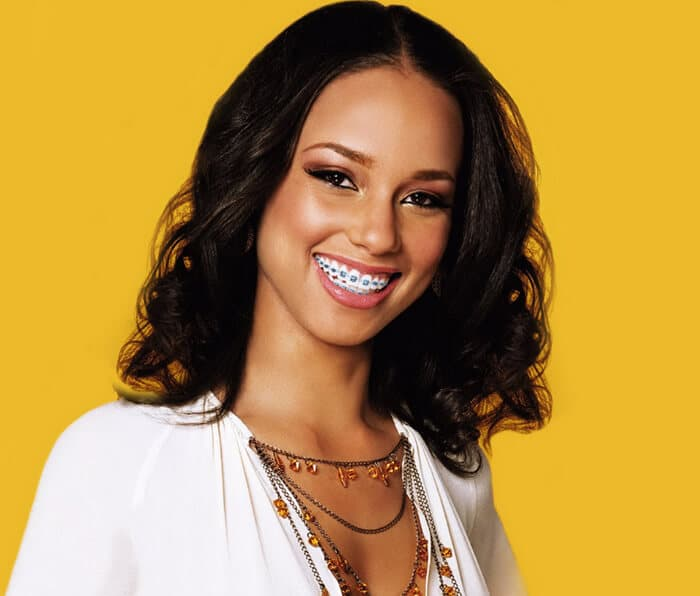alicia keys wearing braces
